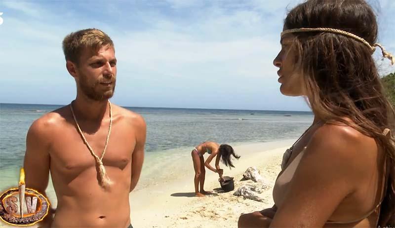 Melyssa ataca a Sandra y Tom la defiende